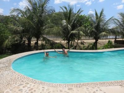thibaut-gaelle-piscine